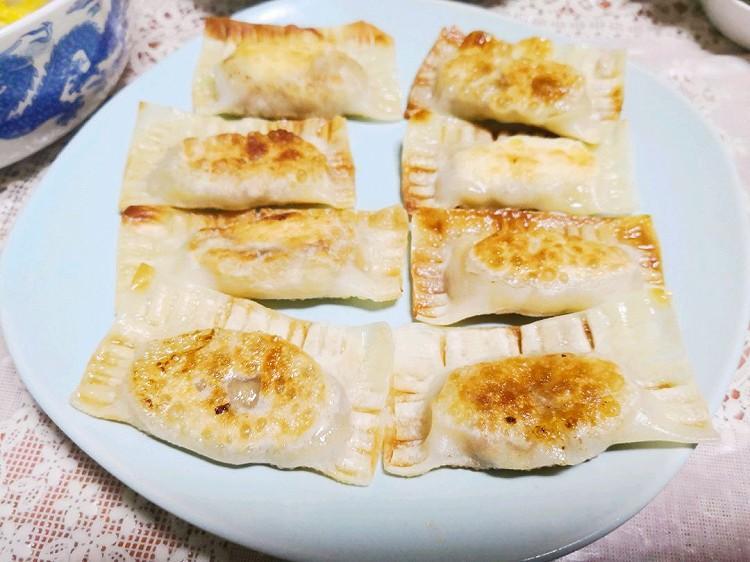 韭菜豆腐盒子+香蕉派+猪肉馄饨----2019.01.10_笔记_豆果美食